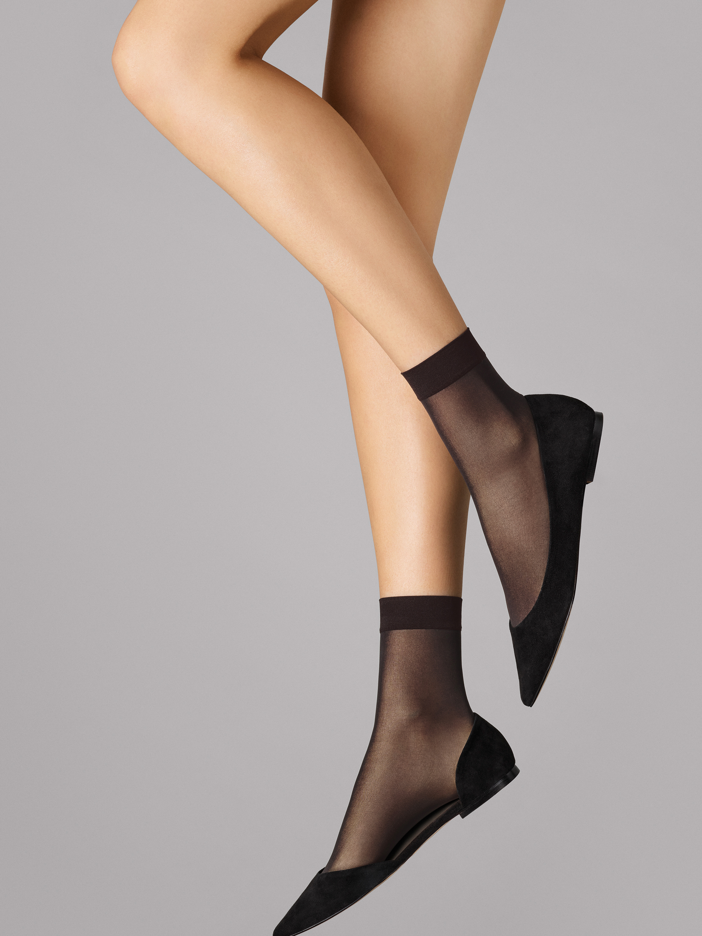 Wolford Apparel & Accessories > Clothing > Calzini Individual 10 Socks - 7212 - S