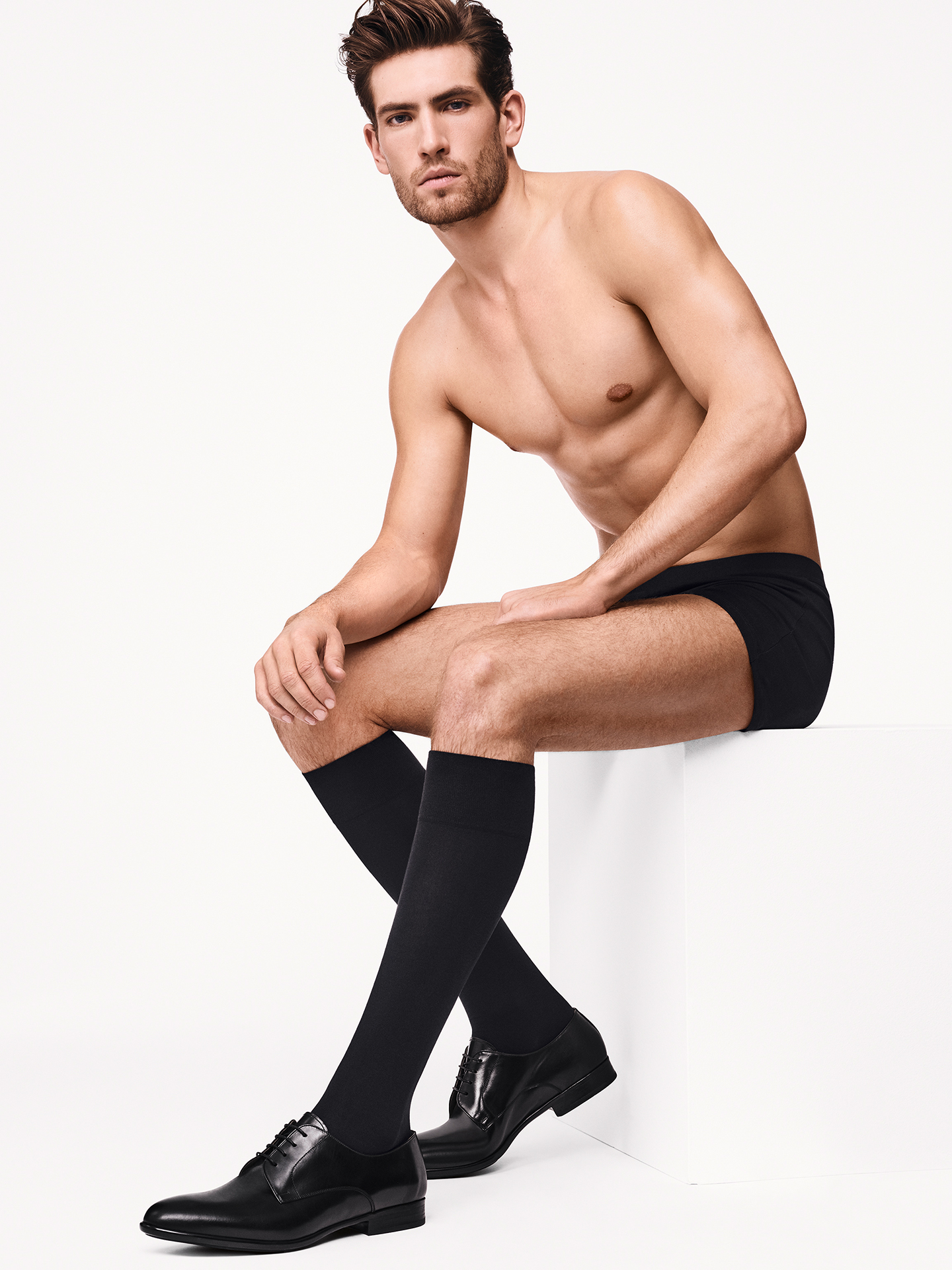 Wolford Apparel & Accessories > Clothing > Men Cotton Velvet Knee-Socks - 7005 - 3940
